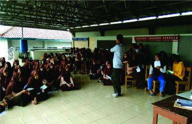 SMK Farmasi Majenang Careerday Bersama Unjani Yogyakarta